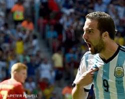 Higuain fires Argentina into last four